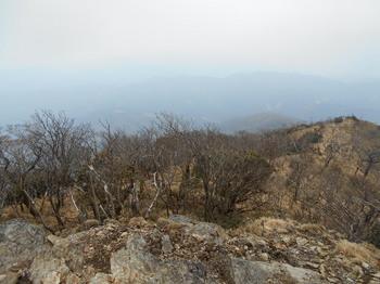 s_4-DSCN0728-山頂より登ってきた方向.jpg