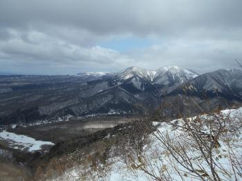 s_DSCN0776_上蒜山稜線上より皆ヶ山.JPG
