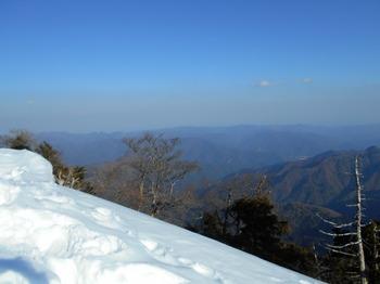 s_DSCN0796_釈迦ヶ岳-頂上より東南方面.JPG